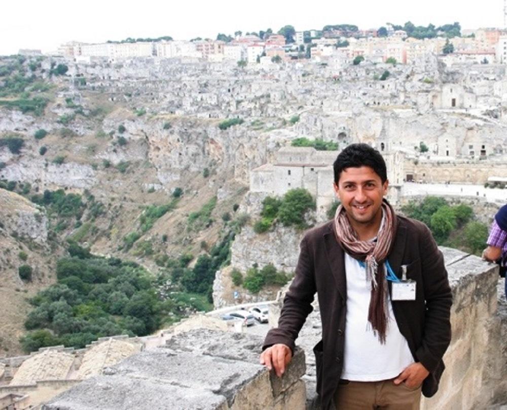 Cosimo Santeramo Guida Turistica ed Escursionistica autorizzata dei Sassi di MAtera e di Matera. cell. 3297917056 Sommelier AIS.