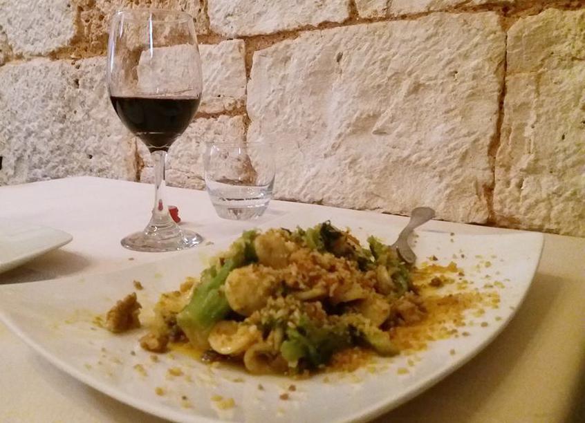 Guida ai piatti e ai ristoranti tipici di Matera: Guida della Capitale Europea della Cultura. Guida di Matera