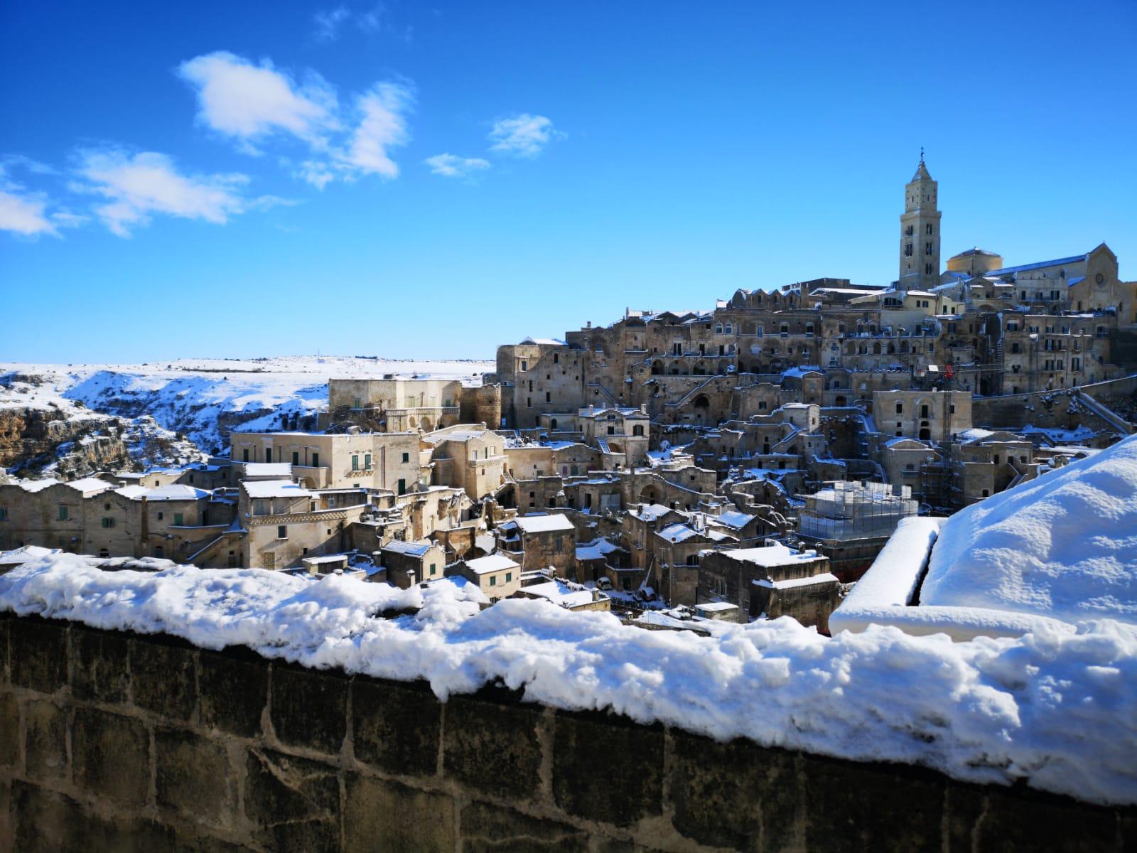 SASSI DI MATERA con la neve. Rioni Sassi: Sasso Barisano e Sasso Caveoso